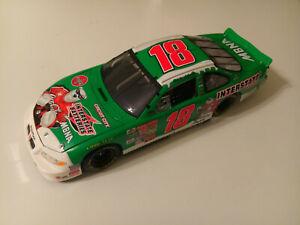 ACTION 2001 LABONTE #18 PONTIAC INTERSTATE BATTERIES POLAR BEAR NASCAR 1:18