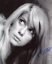 AUTOGRAPHE SUR PHOTO 20 x 25 de Catherine DENEUVE signed in person+ Photo Proof