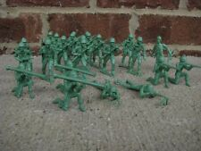 MPC WWII Infantry Toy Soldiers 60MM Playset Diorama Green Plastic
