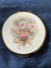 Pretty Vintage Stratton Mirror PowdeR Compact Made In England - Gold plated,