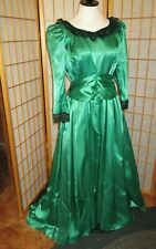 Vintage Handmade Long Dress Gown Satin Christmas Green M-Large Victorian costume