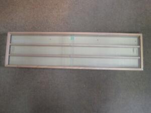 Kibri Holz Vitrine 104 cm x 27,5 cm  mit 3 Böden 5 cm tief mit 2 offenen Enden