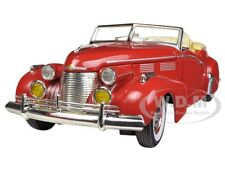 1940 CADILLAC SEDAN SERIES 62 RED 1/32 DIECAST MODEL BY SIGNATURE MODELS 32337