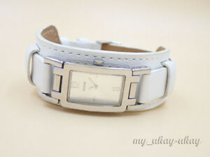 GUESS G66599L Silver Dial White Leather Band Ladies Watch