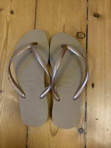 Size 4 Rose Gold Havaianas