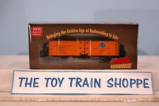 ROUNDHOUSE 85437 PFE & SP 40' WOOD REEFER CAR # 91156. NEW IN BOX.