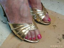 VTG LADIES MISS CURTIS GOLD SHOES/MULES.SLIP ON  SIZE.FIVE AND A HALF XMAS.PARTY