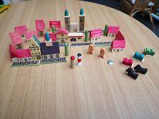 Holzspielzeug Stadt aus Holz Häuser Straßen Bäume Figuren Handgefertigt wie neu