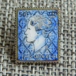 """Antique Vtg Enamel Button Queen of Luxembourg. Bck Mrkd Germany~Aprx:5/8""""~#032-B"""