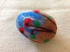 Needle Felted Easter egg. Easter decoration. Poppy flowers on the meadow. - OOAK