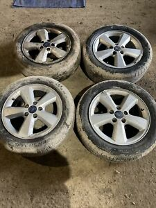 Ford Focus 2007 16inch Alloy Wheels 2 Good Tyres
