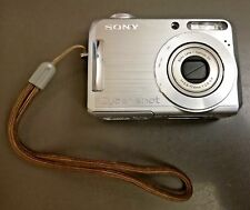Sony Powershot DSC-S700 7.2MP Digital Camera Silver w/ 2GB Pro Duo Memory Card