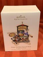 Hallmark 2007 Hoppy Holidays Decor & More Kringlewood Farms Christmas Ornament