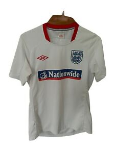 Older Umbro Large England Training Football Shirt Size Small White Excellent