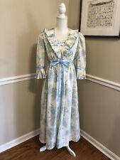 Oscar De La Renta For Swirl- Pleated & Ribbons Floral Nightgown & Robe Set Fussy