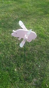 flying pig for the yard