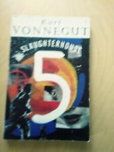 Slaughterhouse 5 Kurt Vonnegut science- fiction classic paperback. Billy Pilgrim