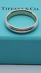 Tiffany&Co Classic 4mm Wedding Band In 18K Rose Gold and Platinum