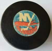 NY ISLANDERS ISLES VINTAGE VICEROY CANADA NHL APPROVED OFFICIAL GAME PUCK