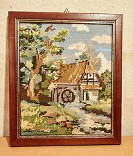 Stickbild,Landschaft,Handarbeit,im Holzbilderrahmen mit Aufhängung.-35 x 30 cm