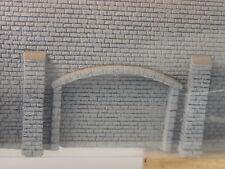 Arkadenmauer mit Sims -   Noch Spur N 1:160 Mauerplatte 36,9 cm lang - 34859  #E