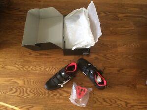 Peloton Bike Cycling Shoes w/ Cleats Unisex Size 40 MEN7 /WOMEN9