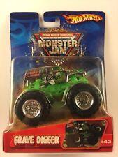 Hot Wheels Monster Jam Monster Truck GRAVE DIGGER #43 Die-cast 1/64 Scale 2006