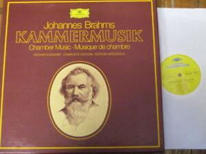 2740 117 Brahms Complete Chamber Music / Ferras / Fournier / Amadeus etc. 15 LP