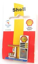 SHELL FUEL OIL SERVICE STATION SYDNEY OLYMPIC GAMES 2000 PIN BADGE COLLECT #242