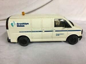 1997 BROOKLYN UNION GAS COMPANY GMC VAN COIN BANK DG PRODUCTIONS INC 9742-002