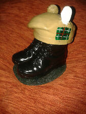BOOTS AND BERET/ROYAL HIGHLAND FUSILIERS/BOOTS/TAM O SHANTER/ ARMY