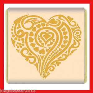 200 Heart Swirl Milk Chocolate Favour Individual small gold cream square pattern