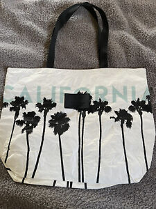New With Tags! RARE! California Aloha Collection Day Tripper Large! Retail $64