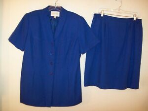 Executive Collection lined polyester blend blue skirt suit size 16WP