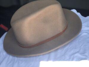 Eddie Bauer Lite Felt Wool Tan Travelers Hat Classic Woodsy Manly Indiana Jones