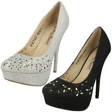 Patternless Court Standard Width (D) Heels for Women