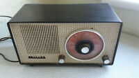 VINTAGE BAKELITE PHILIPS 82G81U VALVE RADIO -  SPARES / REPAIRS - UNTESTED
