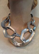ALEXIS BITTAR GUNMETAL TONE WHITE SILVER LUCITE WAVY LINK NECKLACE