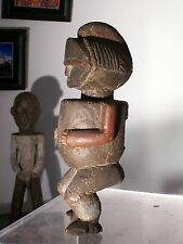 African statue. Statue africaine Ambete