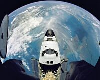New 8x10 NASA Photo: Space Shuttle Atlantis with Earth Below, Mission STS-71