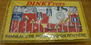 Dinky Toys No. 593, Panneaux Signalisation Routiere Reissue by Atlas