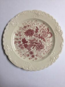 """Taylor Smith & Taylor Center Bouquet Red Garland Style Dinner Plate 10"""" TST"""
