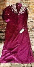 VTG VANDERMERE BEAUTIFUL Maroon Robe SIZE (M)