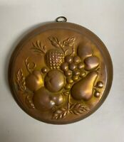 """Vintage Small Copper Baking Mold Fruit Pattern wall hanging 8"""" x 2 ¹¹/₆₄"""""""