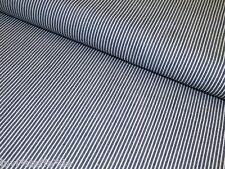 Markenlose gestreifte Kleiderstoffe aus 100% Baumwolle