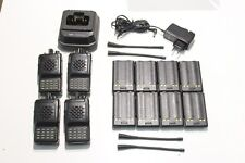 A REPROGRAMMER : Lot de 4 Radio UHF VERTEX VX-800U + 1 chargeur & 8 batteries (B