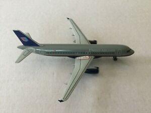 DragonWings  United  A320-200  N772UA  55053  1:400 Scale Diecast Model