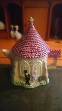 Leonardo Novelty Collectable Teapot, The Chuch & Weddng Couple.