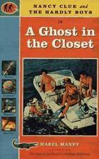 Nancy pista y los chicos apenas en un fantasma en el armario por Maney, Mabel