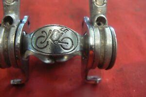 CYCLO   manettes ANCIENNES( 1950)sur collier de cadre( NOS d'ancien stock)